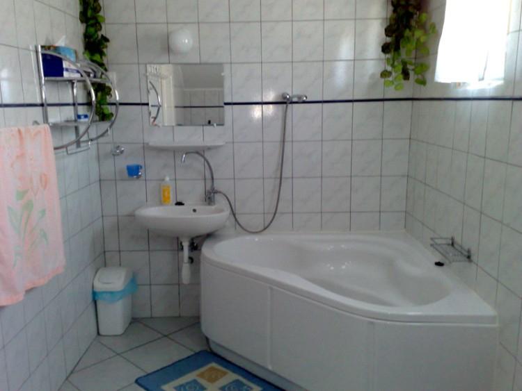 Viola Apartman Bélapátfalva, fürdõszoba